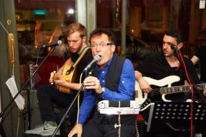 Arlo's, Live Music 208